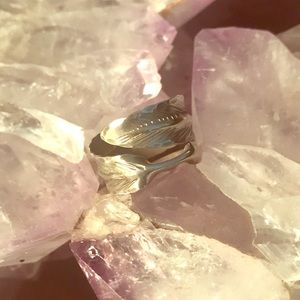 Jewelry - Estate Sterling Silver Feather ring! Ladies size 5